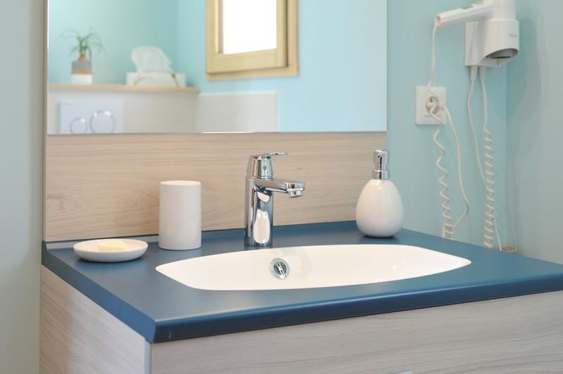 la-paumanelle-salle-bain-ambre